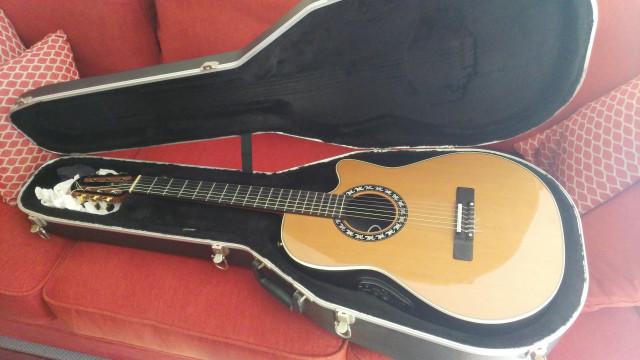 Ovation Classic Contour 2073 LX Acoustic/Electric Guitar