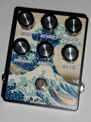 Versión Earthquacker Devices Sea Machine