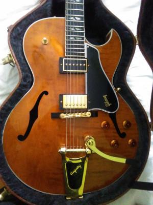 Gibson es 195 y Hamer artist