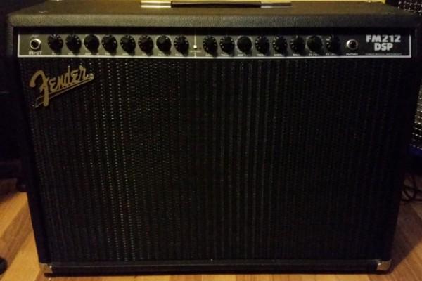 (Cambio) Combo Fender FM212 DSP 2x12