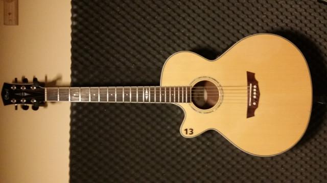 Guitarra acústica Cort zurdo