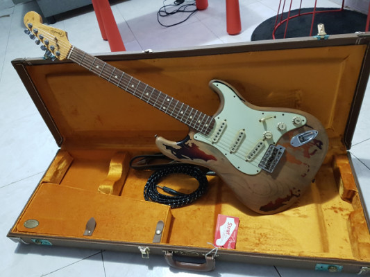 Fender Stratocaster Custom Shop Rory Gallagher MINT con chuches