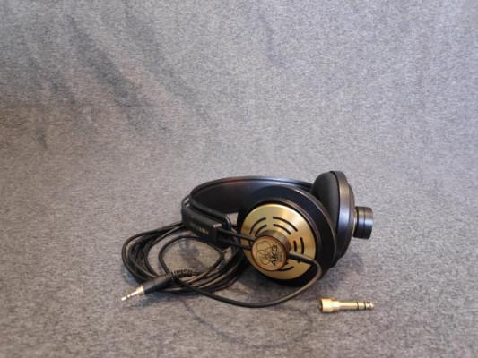 AKG K121 Studio Auriculares de Estudio Semiabierto