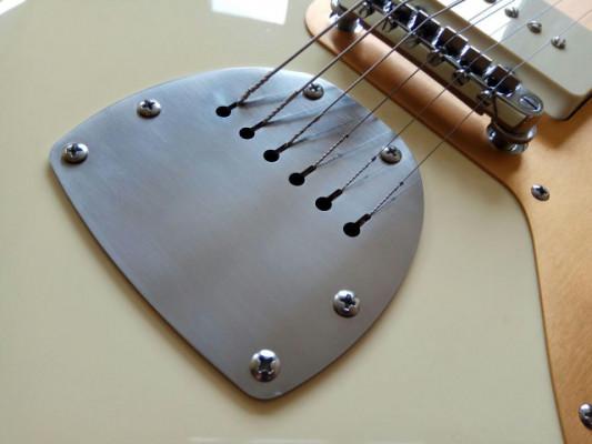 Cordal placa Jazzmaster Jaguar acero Fender Squier Offset
