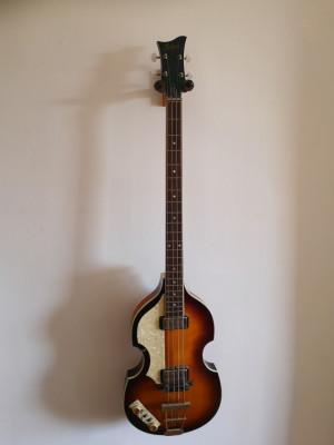 Hofner violin bass, Contemporary Series.