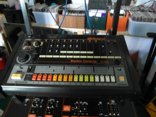 Roland TR-808 + kit midi + siute case