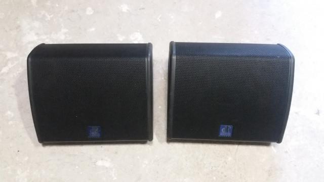 2 Altavoces db technologies