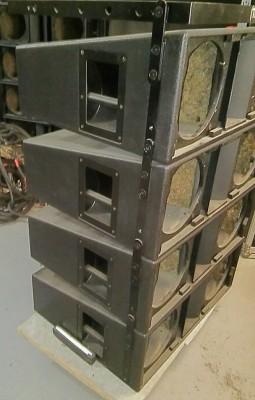 8 cajas line array vacias + volado