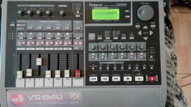 MULTIPISTAS DIGITAL ROLAND VS-840 (EX).