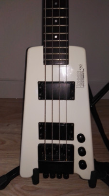 Hohner B2 Bajo electrico headless 80s
