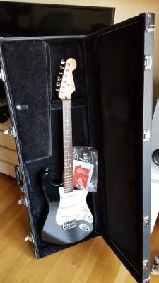 Sintetizador Roland GR-55 y Guitarra Fender Estratocaster Roland Ready