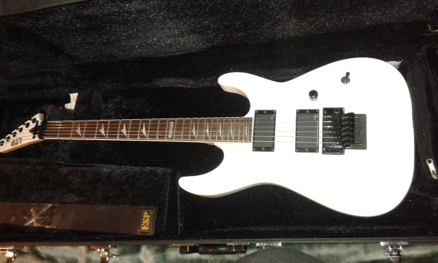 Guitarra Ltd  M330R vendo