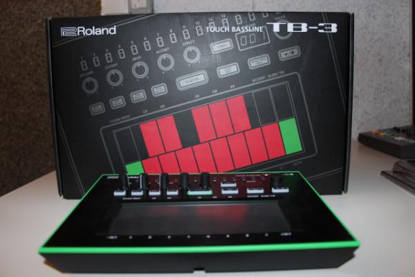 Roland TB-3 + Decksaver