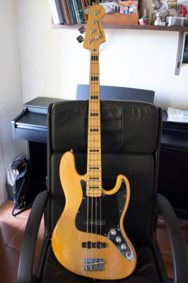 Fender Squier Jazz Bass con estuche