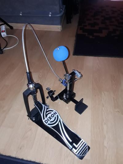 Dixon cajón pedal