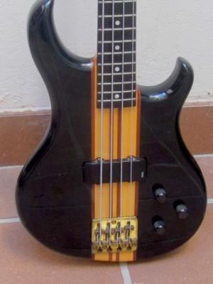 Aria SB-1000 de los 80's