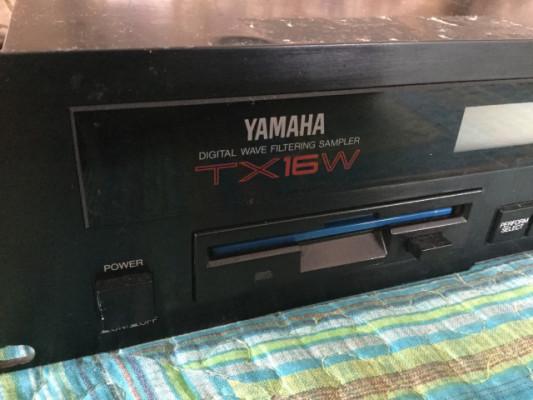 2 Samplers de Yamaha! TX16w + A5000