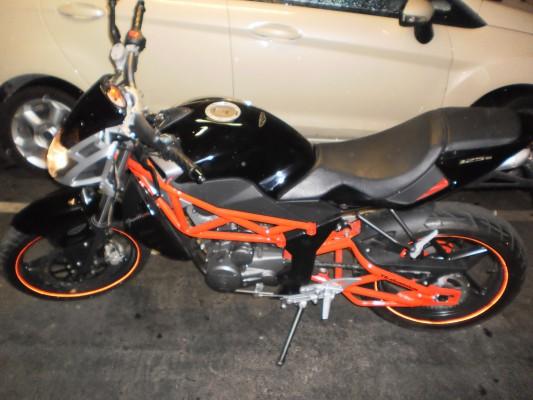 Vendo o cambio moto Megelli 125s