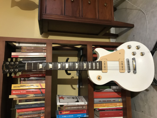GIBSON LES PAUL TRIBUTE 50
