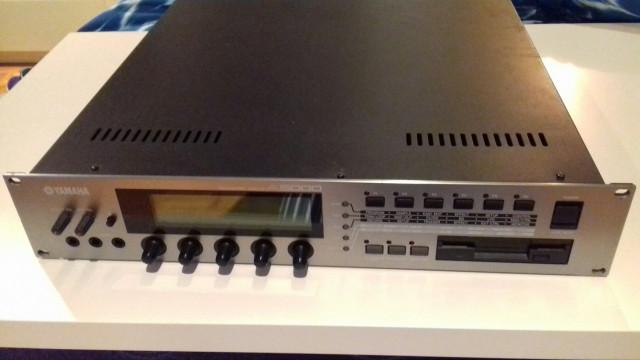 Sampler Yamaha A5000