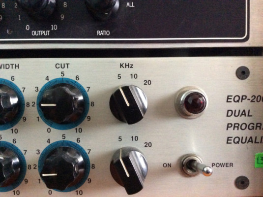 EQ Summit Audio EQP-200 B (Tipo Pultech)