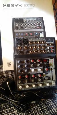 Mesa mezclas Behringer Xenyx 1002FX