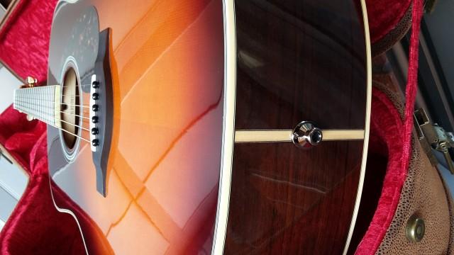 o Cambio Yamaha  LL 6  A.R.E  -  Brown Sunburst