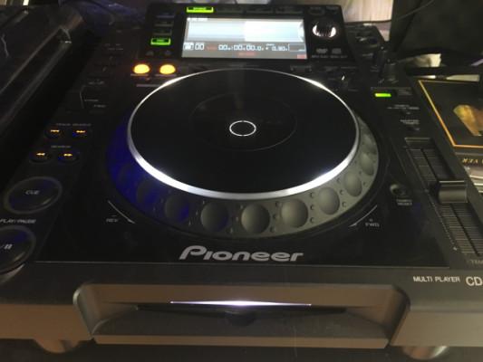 Dos pioneer cdj 2000