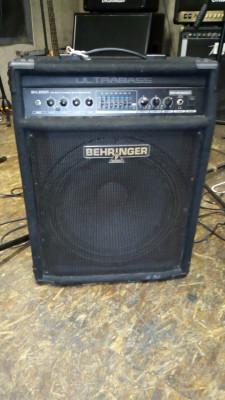 Amplificador de bajo behringuer 300w