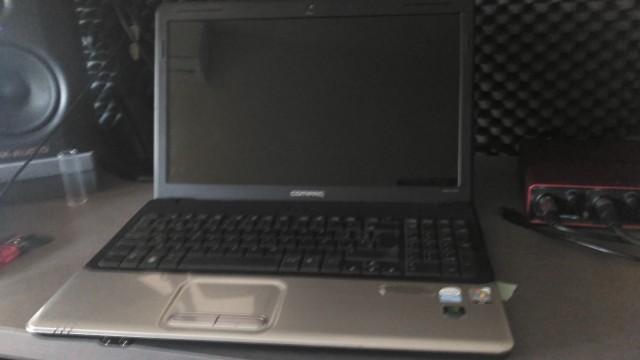 Portátil Compaq Presario CQ-61