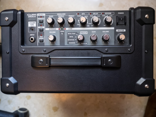 amplificador Roland Cube 20GX