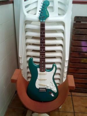 cambio:guitarra electrica admira star MIJ