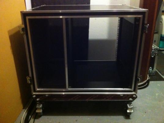 Vendo Flightcase 12 unidades + hueco para ordenador