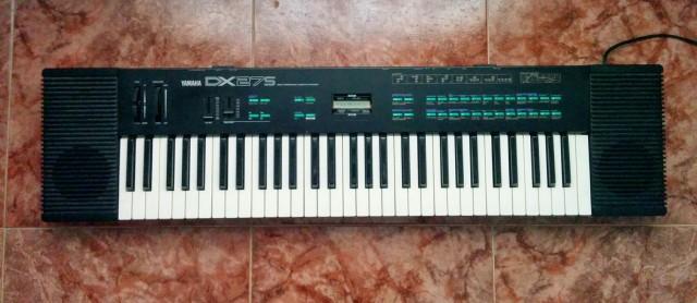 Vendo sintetizador Yamaha DX27s