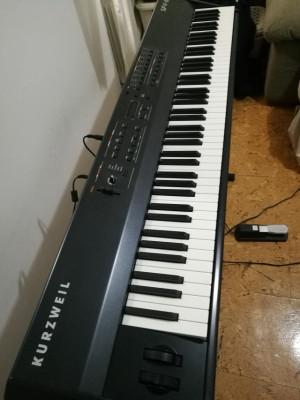 Piano de escenario Kurzweil Sp4-8
