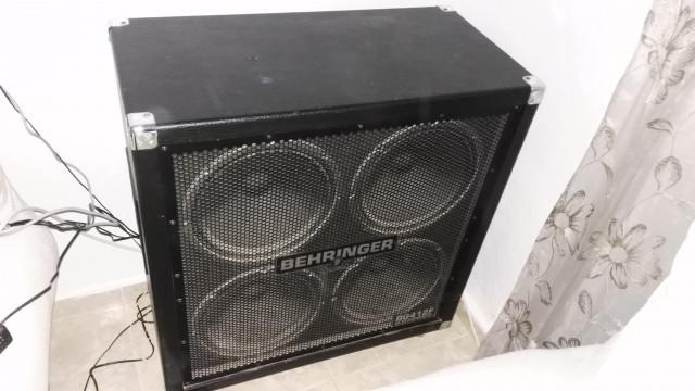 Pantalla 4x12 Behringer Ultrastack BG412F