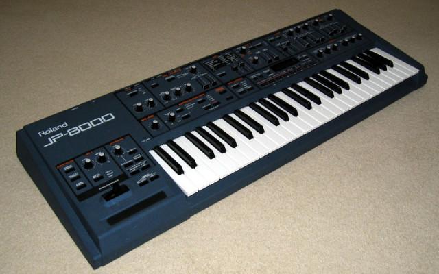 Roland JP 8000