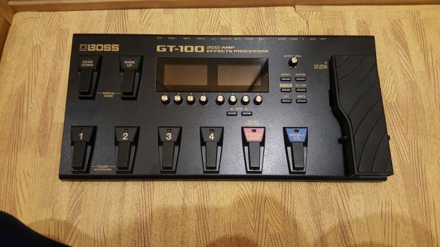 Vendo pedalera Boss GT-100