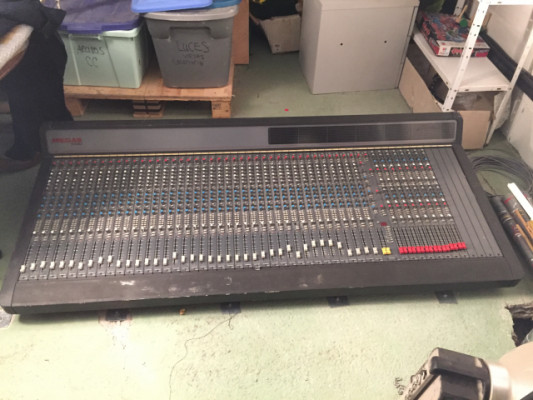 Mesa de estudio Soundtracs 54U 40-24-2