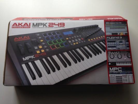 Akai MPK 249 COMO NUEVO!!!