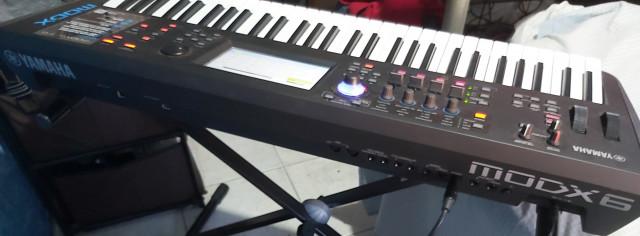 Vendo teclado yamaha MODX6