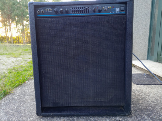 Ampli bajo Fender 200W