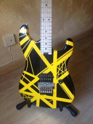 EVH striped series black & yellow