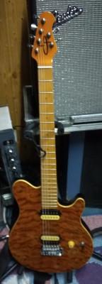 Guitarras Harley Benton, Santander, Olp y Kumiko para cambios