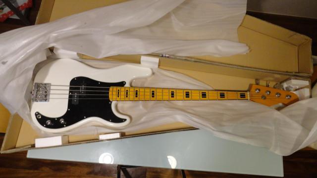 Precision Bass montado a piezas.