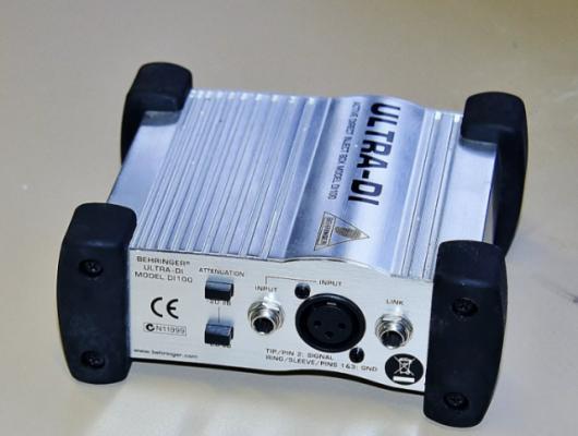 Caja de inyección Behringer DI100 Ultra-DI