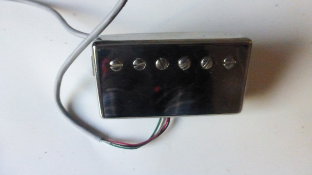 Pastilla Gibson Angus Young signature- Cromada