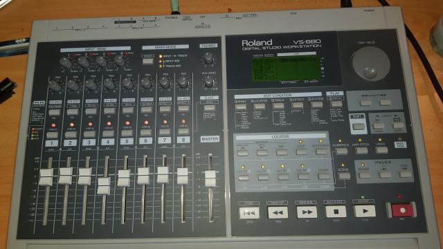 Ultima semana a la venta. ROLAND VS880 Digital Studio Workstation. REBAJADO