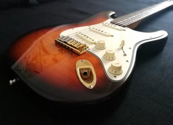 Fender Stratocaster 50th Anniversary Flamed Maple Ltd. Ed. 1996