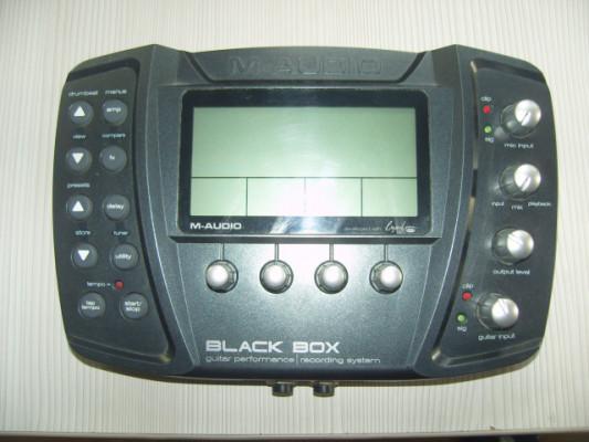 Multiefectos M-Audio Black box y Pedalera